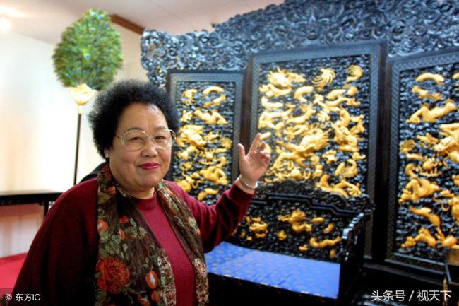 Bà Trần Lệ Hoa không ngần ngại đầu tư hơn 200 triệu nhân dân tệ (gần 700 tỷ đồng) để xây dựng Bảo tàng gỗ đàn hương đỏ Trung Quốc - đây là nơi giữ gìn và bảo tồn đồ gỗ lớn nhất Trung Quốc, là nơi trưng bày các đồ nội thất cũng như tác phẩm nghệ thuật làm từ gỗ đàn hương. Nguồn ảnh: Internet