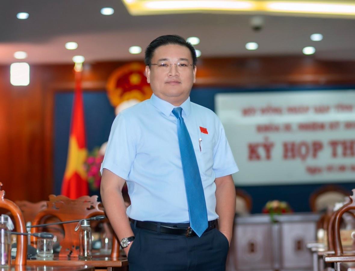 Ứng viên đại biểu Quốc hội khóa XV, doanh nhân Trần Khắc Tâm khẳng định sẽ phát huy kinh nghiệm bản thân, không ngừng trau dồi kiến thức để phát biểu thẳng thắn, làm việc cần mẫn để đóng góp có hiệu quả cho hoạt động của Quốc hội, HĐND.