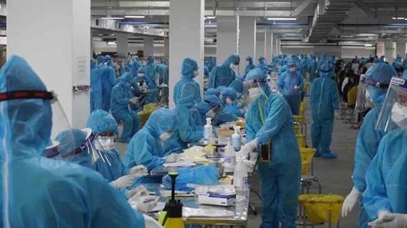 """Phó Thủ tướng Vũ Đức Đam: """"Kiểm soát bằng được các ổ dịch trong khu công nghiệp ở Bắc Ninh, Bắc Giang"""""""