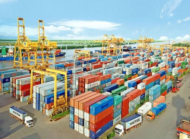Tổng trị giá xuất nhập khẩu của cả nước đến hết 15/5/2021 tăng 32.4%