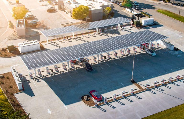 Sau xe điện, Tesla sẽ kinh doanh nhà hàng?
