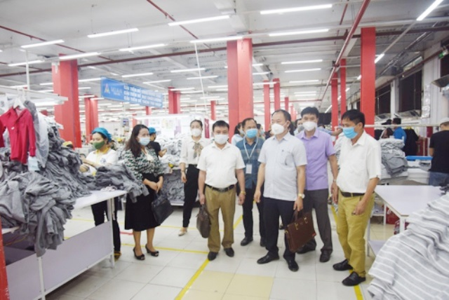 Nghệ An: Kiểm tra phòng, chống dịch Covid-19 của doanh nghiệp ở các Khu công nghiệp