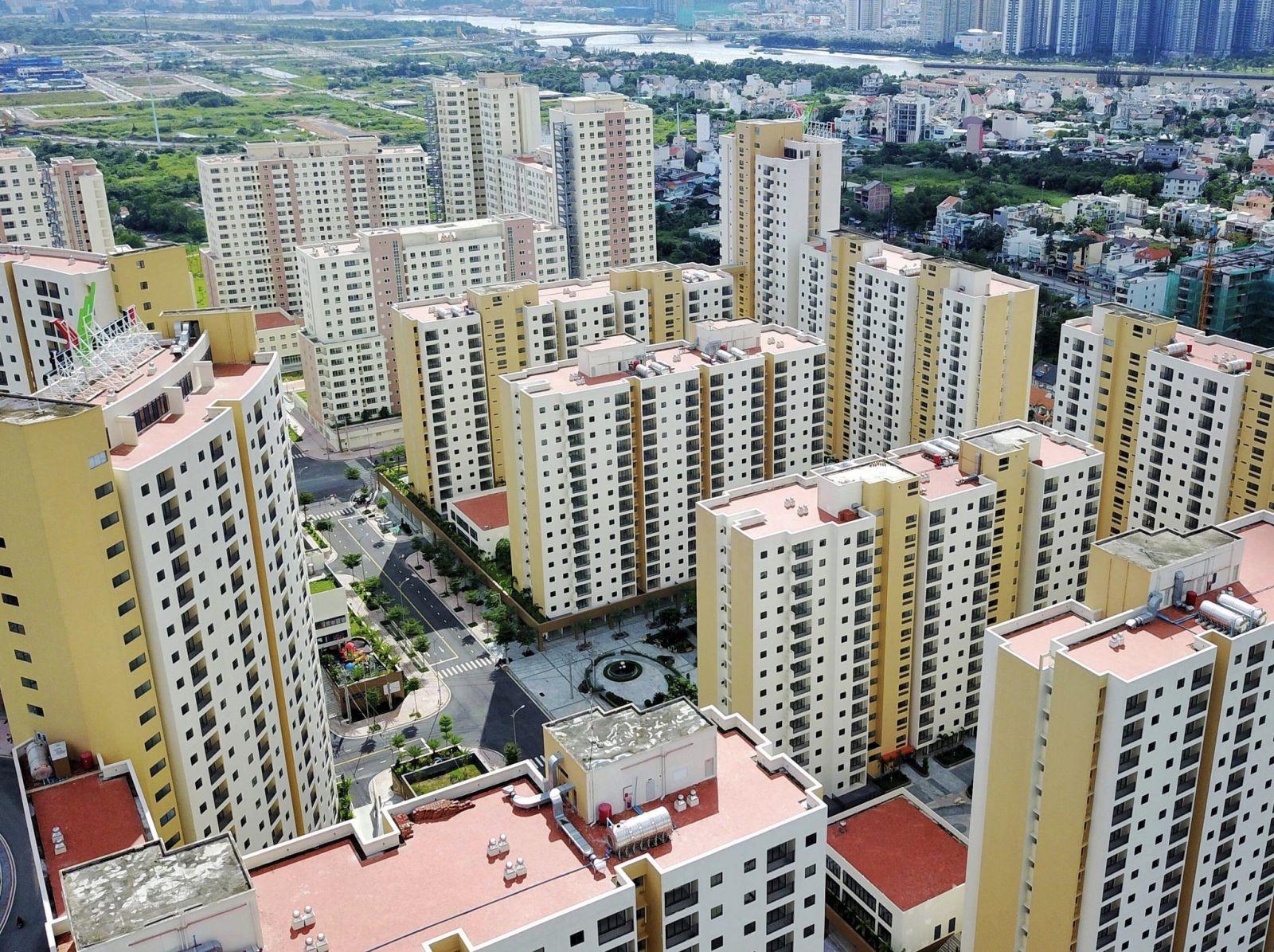 Hàng ngàn căn hộ xây xong