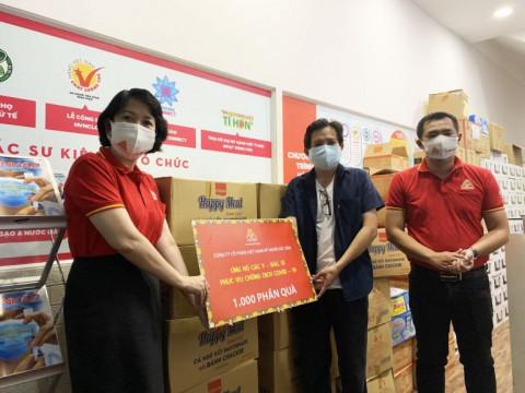 Công ty VISSAN ủng hộ 2.600 phần quà cho các đơn vị tuyến đầu chống dịch và người dân có hoàn cảnh khó khăn