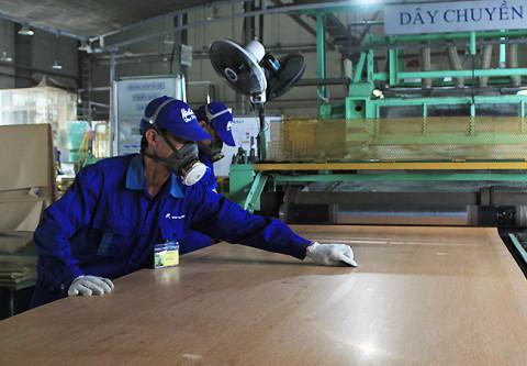 Hơn 40 nghìn công nhân thiếu việc làm tại Hà Nội