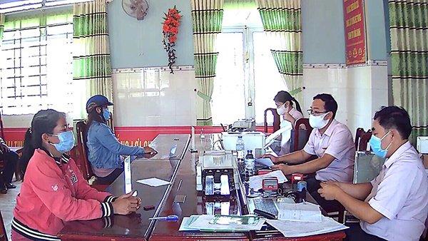 NHCSXH tỉnh Lâm Đồng duy trì hoạt động an toàn trong mùa dịch Covid-19 tại các Điểm giao dịch xã