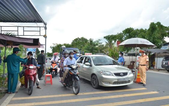 Kiên Giang: Kiểm soát chặt chẽ người và phương tiện di chuyển từ vùng dịch về tỉnh