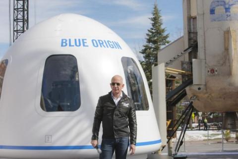 Tỷ phú Jeff Bezos chơi lớn: Chuẩn bị bay vào vũ trụ trong tháng tới