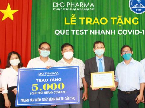 Cán bộ nhân viên Dược Hậu Giang đóng góp một ngày lương vào quỹ vaccine nhằm tăng cường phòng chống dịch hiệu quả