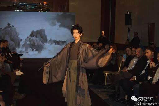 Lưu Vũ, idol kiêm hot tiktok dẫn đầu phong trào Hán phục