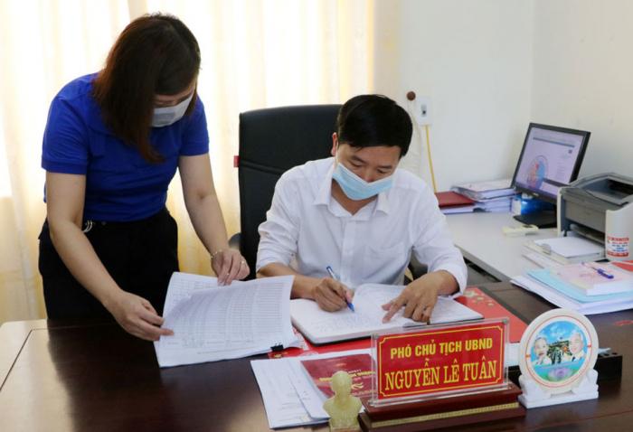 Phường Minh Phương, thành phố Việt Trì rà soát lại dữ liệu để phục vụ tổng điều tra giai đoạn 2