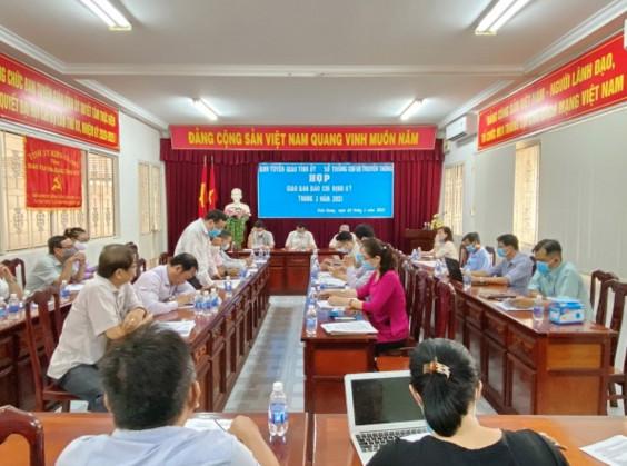 Ban Tuyên giáo Tỉnh ủy, Sở Thông tin và Truyền thông, Hội nhà báo tỉnh tổ chức giao ban báo chí định kỳ