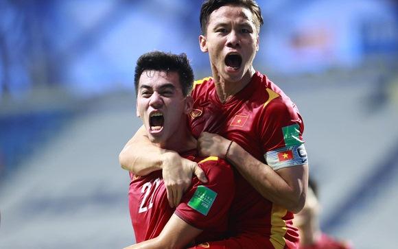 Phút 27, tuyển VN mới có bàn thắng vượt lên nhờ công của Tiến Linh