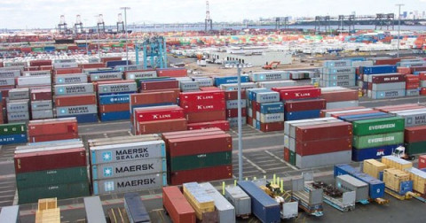 Nhập khẩu gia tăng, cán cân thương mại nghiêng về hướng nhập siêu