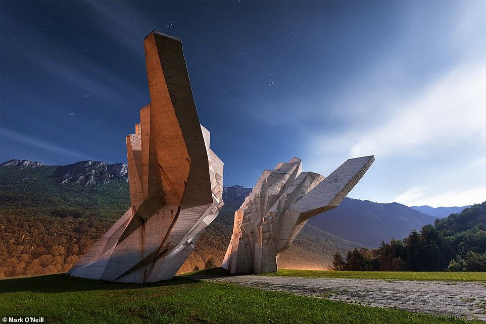 Những công trình kiến trúc nguyên khối kỳ lạ