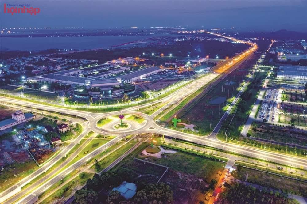 Ban Quản lý KKT mở Chu Lai đã tập trung đầu tư nâng cao chất lượng hạ tầng đường bộ, đường biển, hàng không để thu hút đầu tư..