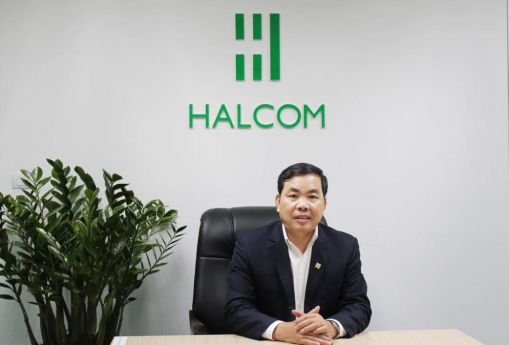 Ông Nguyễn Quang Huân. Ảnh: Halcom