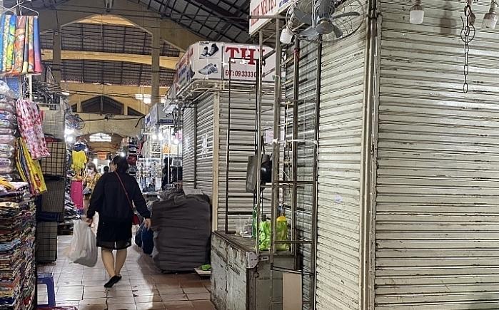 TP.HCM chia sẻ khó khăn đối với các tiểu thương buôn bán tại các chợ truyền thống ở TP.HCM trong 6 tháng.