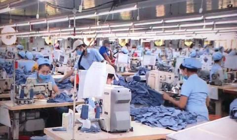 Chính phủ yêu cầu bảo đảm việc làm, nâng cao mức sống người lao động