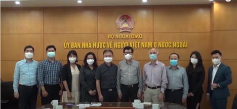 Giao lưu hợp tác giữa Hội VPBA và Hiệp hội Doanh nhân Việt Nam ở nước ngoài