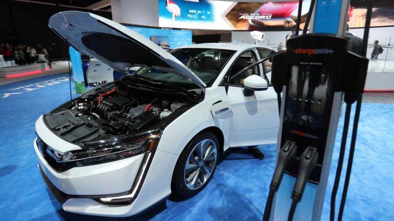 Honda ngừng sản xuất ô tô chạy pin nhiên liệu