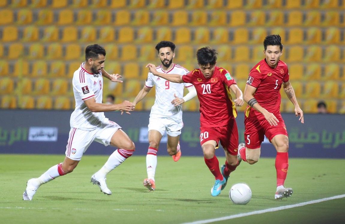 Thua sát nút 2-3 trước UAE, đội tuyển bóng đá Việt Nam vẫn tự tin đi tiếp