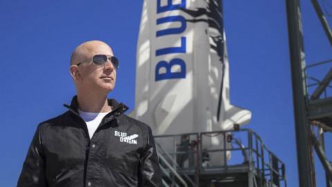 """Jeff Bezos và những """"tỷ phú không gian"""""""