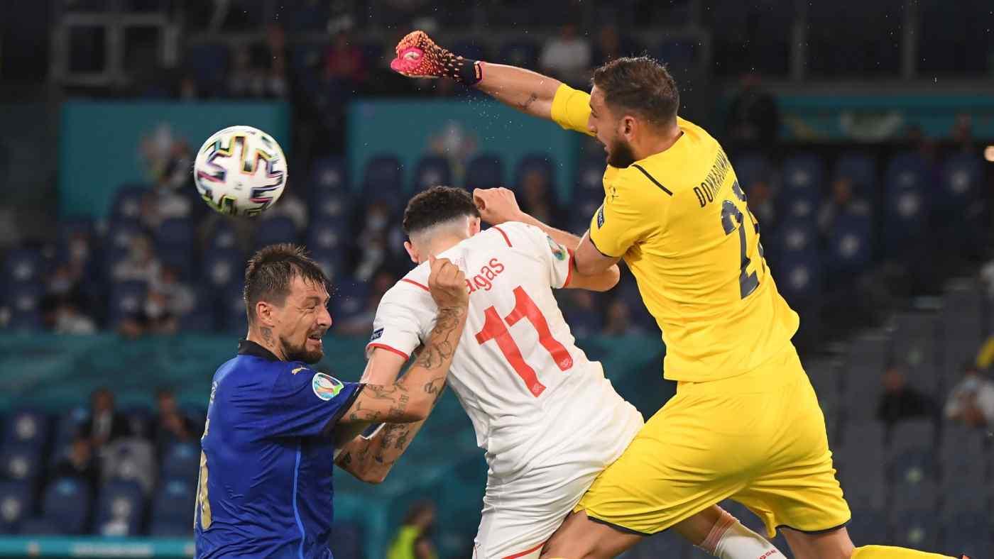 Ý đấu với Thụy Sĩ trong bảng A của Euro 2020 - sự kiện thể thao đỉnh cao đầu tiên được khởi động kể từ sau đại dịch, sau một năm trì hoãn - tại Rome vào ngày 16 tháng 6. © Reuters