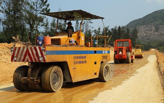 Chủ tịch tỉnh Hà Tĩnh chỉ đạo đẩy nhanh tiến độ giải ngân vốn đầu tư công năm 2021