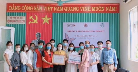 CEO Thơ Bùi : Tặng 2000 que test nhanh Covid-19 cho bệnh viện Bắc Thăng Long – Hà Nội