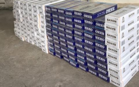 Long An: Phát hiện và thu giữ 10.000 gói thuốc lá lậu nhập từ Campuchia