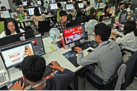 Hiệp hội Thương mại điện tử Việt Nam (Vecom) kiến nghị về việc sàn thương mại điện tử phải nộp thay thuế cho cá nhân kinh doanh