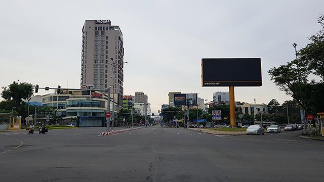 Vừa trở lại hoạt động vài ngày, Đà Nẵng lại buộc phải dừng hoạt động kinh doanh ăn uống tại chỗ.