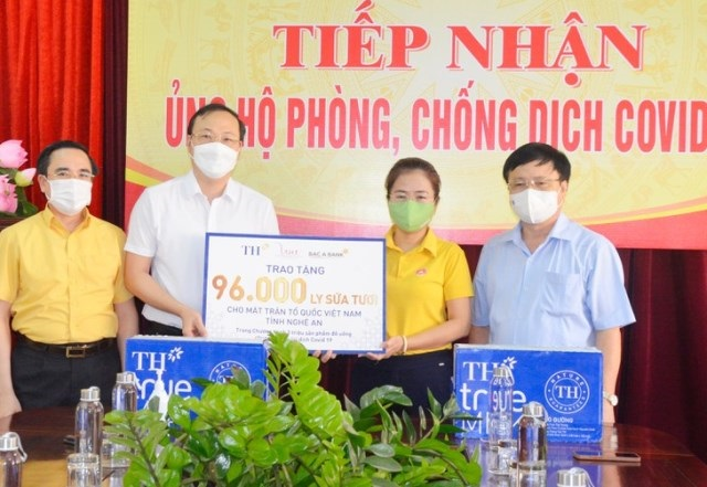Nghệ An tiếp nhận 96 nghìn ly sữa tươi của Tập đoàn TH ủng hộ phòng chống dịch Covid-19