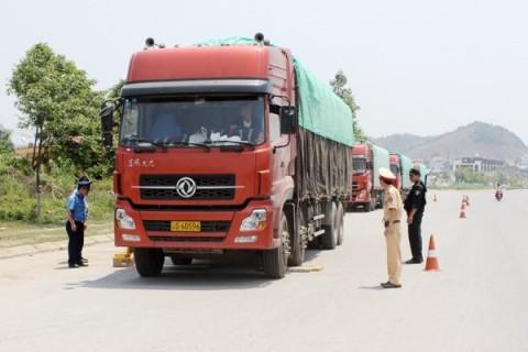 Thanh Hóa: Ra quân kiểm tra, xử lý vi phạm về tải trọng và kích thước của phương tiện vận tải