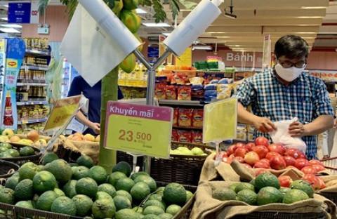 TP.HCM nâng mức độ giãn cách xã hội, siêu thị tăng lượng hàng dự trữ