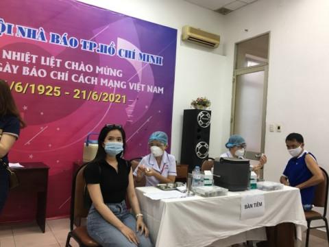 TP Hồ Chí Minh: Gần 300 phóng viên, nhà báo được tiêm ngừa vaccine COVID-19