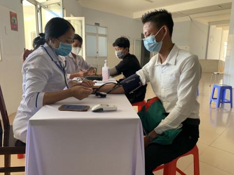 Hỗ trợ tiêm vắc-xin ngừa Covid-19 cho người lao động trong lĩnh vực vận tải trên địa bàn Lâm Đồng, Đồng Tháp và An Giang