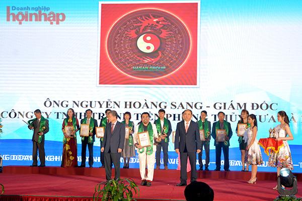 Doanh nhân Nguyễn Hoàng Sang nhận chứng nhận Nhà quản lý/Doanh nhân tiêu biểu Việt Nam ASEAN - EU, có nhiều đóng góp trong hội nhập kinh tế ngày 19/03/2021