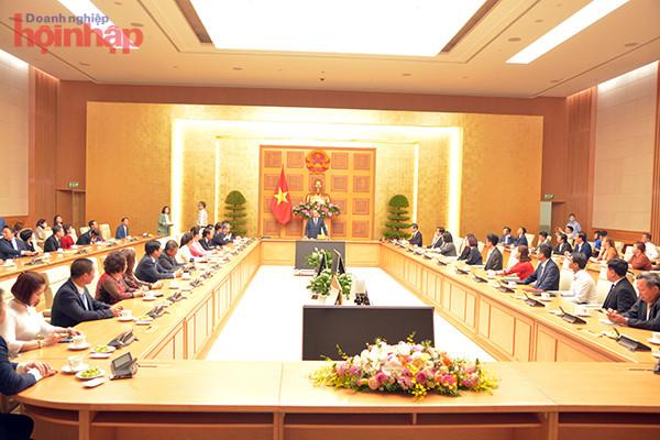 Doanh nhân Nguyễn Hoàng Sang cùng các đại biểu tiếp kiến Thủ tướng Nguyễn Xuân Phúc tại văn phòng Chính phủ ngày 18/03/2021