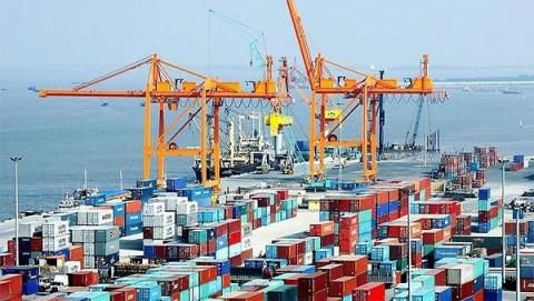 Nhập khẩu gia tăng, cán cân thương mại nghiêng về nhập siêu