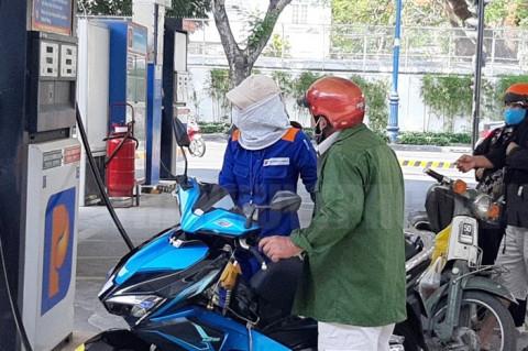 Hôm nay 23-6, giá xăng dầu lùi nhẹ do thông tin tăng sản lượng