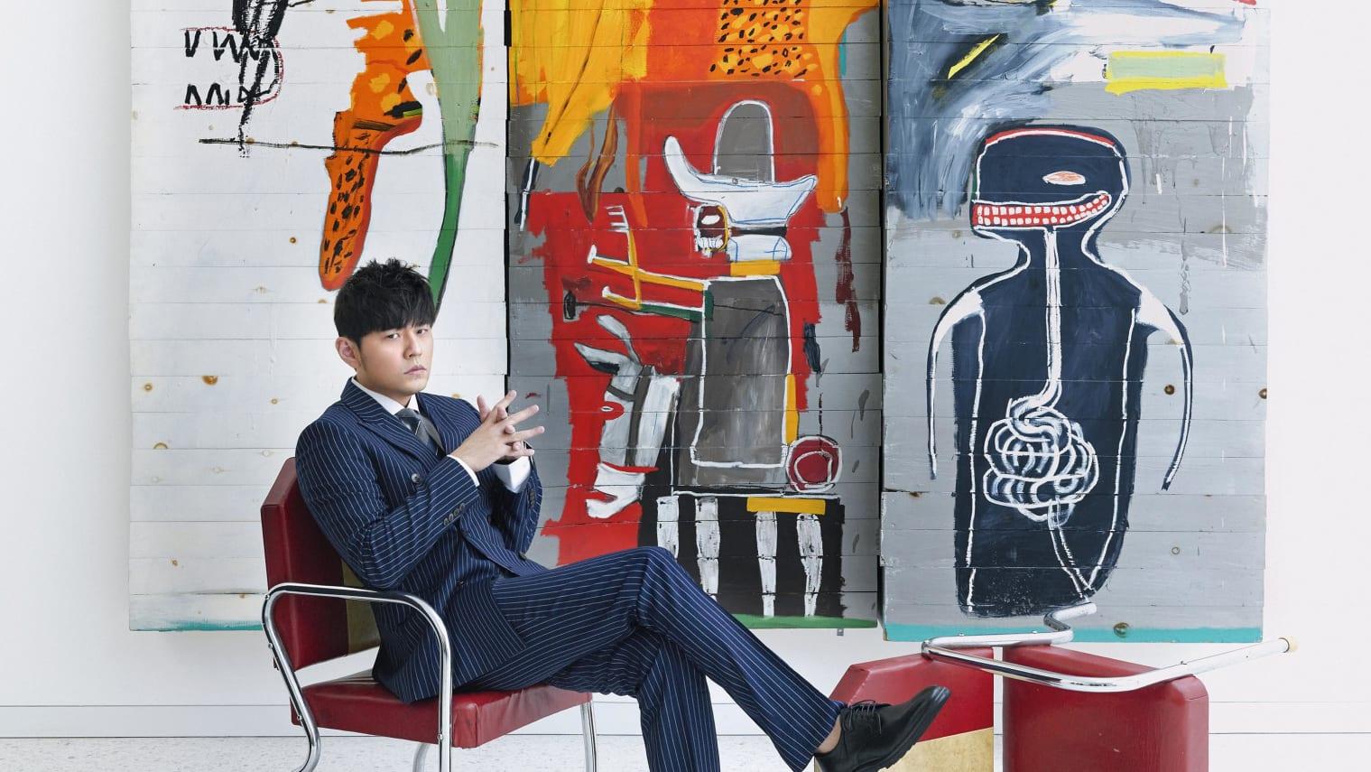 Jay Chou bên các tác phẩm nghệ thuật