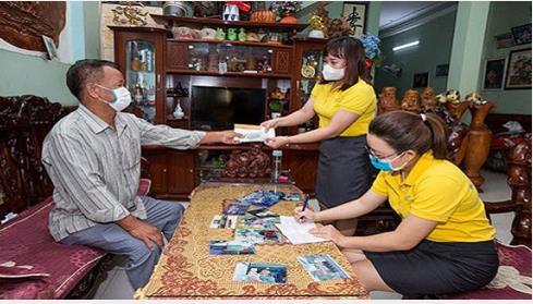Chi trả lương hưu, trợ cấp BHXH bằng tiền mặt cho người dân tại nhà