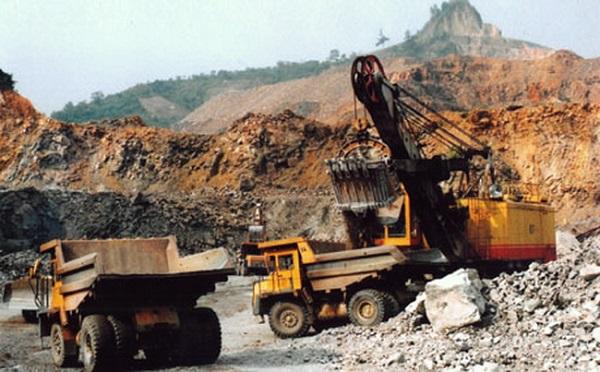 Khai thác quặng tại mỏ đồng Sin Quyền (Lào Cai)