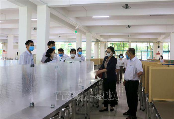 Tỉnh Vĩnh Long tăng cường phòng, chống dịch COVID-19 ở các khu, tuyến công nghiệp