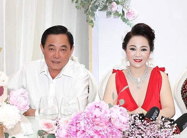 Doanh nhân Nguyễn Phương Hằng tuyên bố tạm ngừng quỹ từ thiện Hằng Hữu