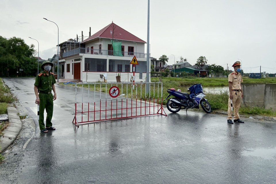 Hà Tĩnh thu hồi văn bản không tiếp nhận người từ TP Vinh