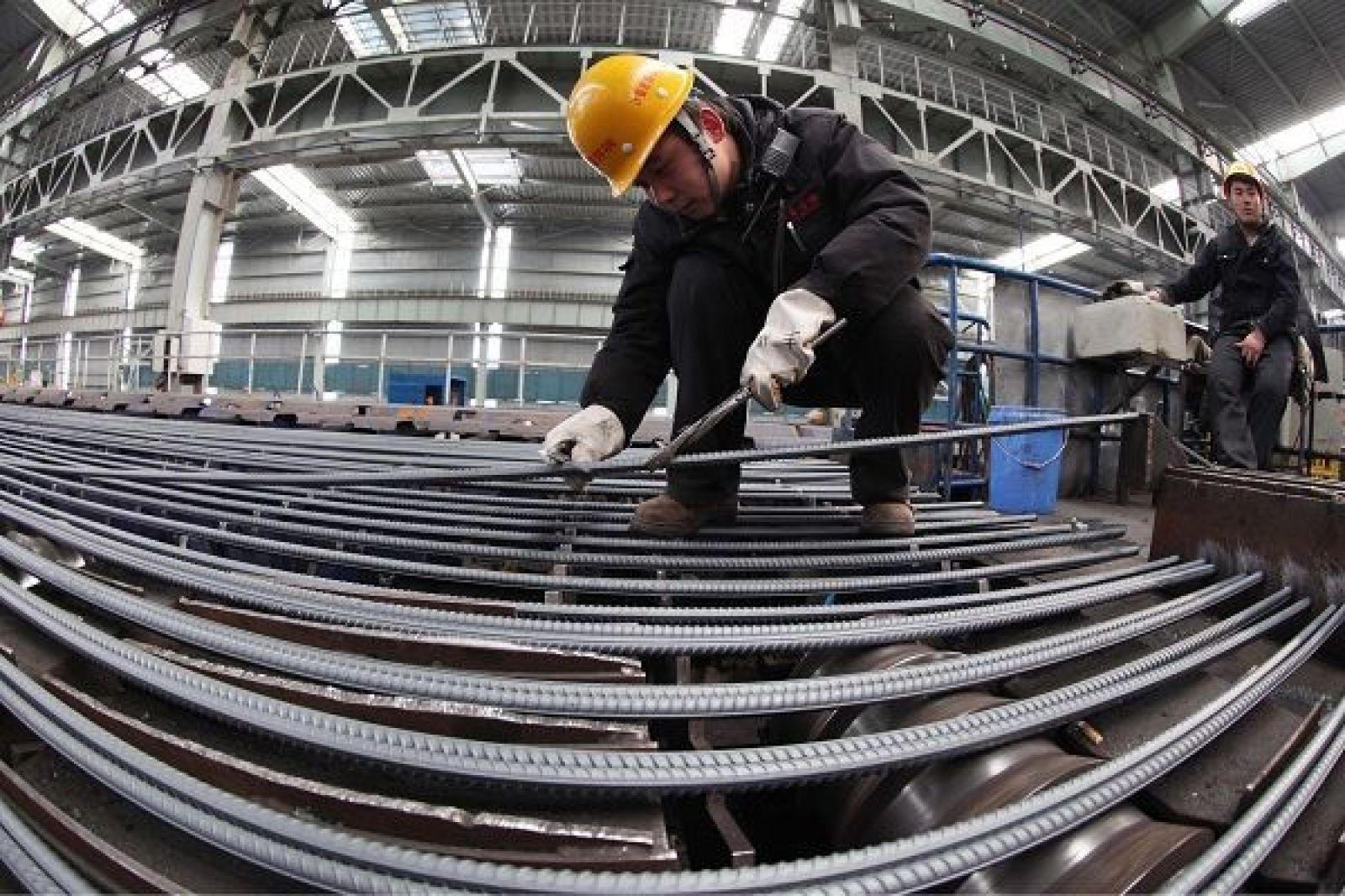 Giá thép thế giới đang rất sôi động, xuất khẩu sắt thép của cả nước hưởng lợi khi tăng rất mạnh.