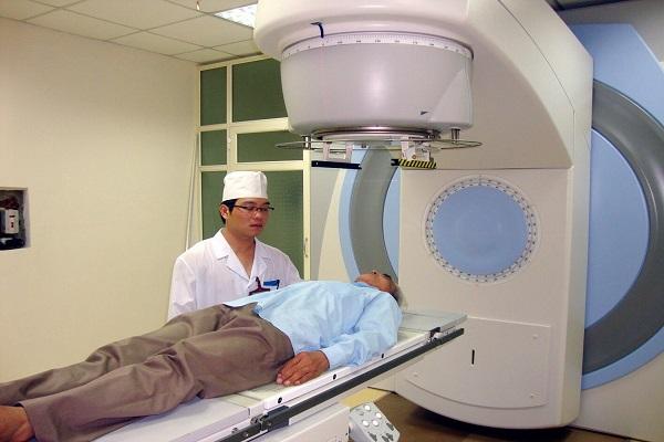 Bài 3: Bệnh nhân ung thư ở Thanh Hóa mòn mỏi chờ máy xạ trị: Phó Chủ tịch UBND tỉnh nói gì?